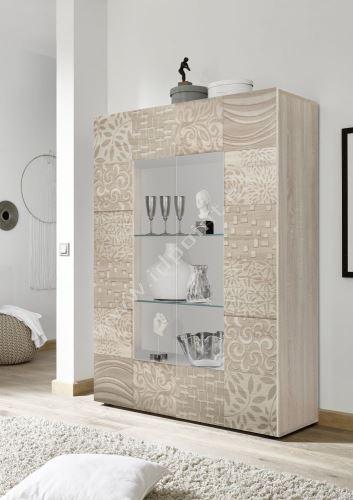 Vitrína Xaos-VET korpus dekor dub. dveře béžový vzor + čiré sklo