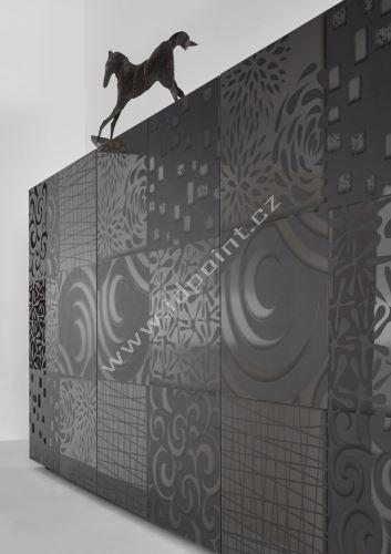 Komoda Xaos-SB3 korpus šedý lak, dvířka šedý vzor