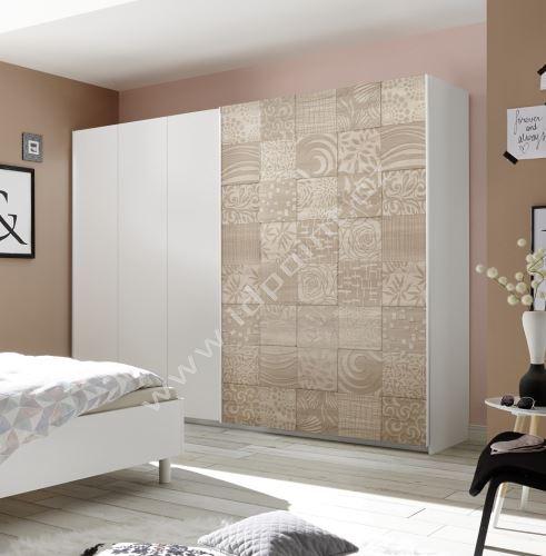 Vybavená šatní skříň s posuvnými dveřmi Xaos-SD-275 bílý mat v kombinaci s dekorem béžovým