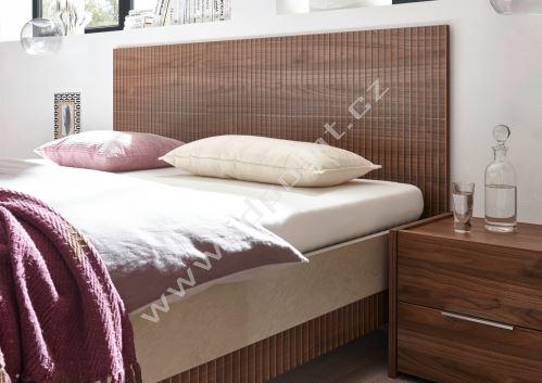 Postel Wood-180x200 NCAS CLA ořech si sítotiskem v kombinaci s dekorem jíl
