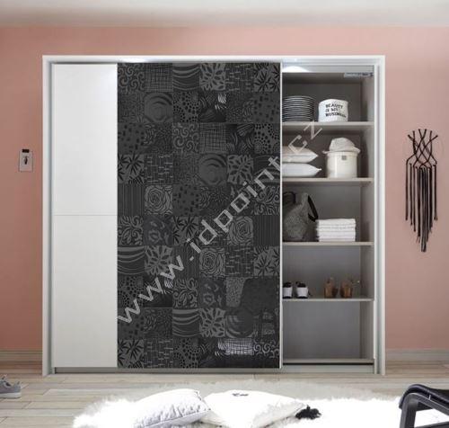 Vybavená šatní skříň s posuvnými dveřmi Xaos-SD-220 bílý mat v kombinaci s dekorem šedým