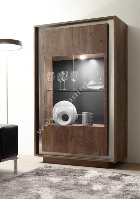 Vitrína Sky-VET dub koňak, transparentní sklo